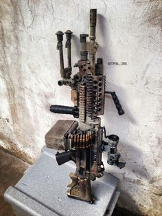 FN NATO Squad Automatic Weapon (SAW) with a 200 round box of ammunition attached. The SAW was adopted by the Army and Marine Corps in (cropped) Military Weapons, Weapons Guns, Airsoft Guns, Guns And Ammo, Military Army, Armas Wallpaper, Light Machine Gun, Machine Guns, Custom Guns