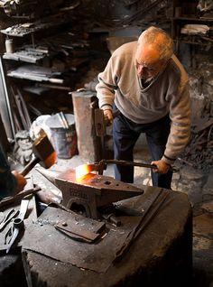 Blacksmith in Batroun, Lebanon. Metal Working Tools, Old Tools, Melting Metal, Blacksmith Forge, Iron Steel, Metal Shop, Thors Hammer, Iron Work, Woodworking Tips