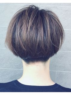 【2018年春夏】刈り上げショートボブ×ハイライト×オリーブアッシ/formage【フォルメージ】のヘアスタイル|BIGLOBEヘアスタイル