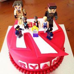 Roblox cake partyrobloxcakekidsbirthdayboycookiencoinstafoodinstadessert