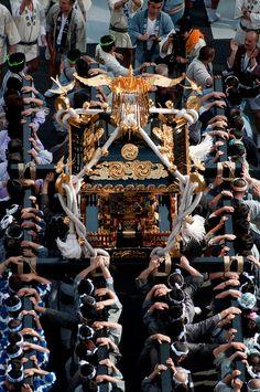 祭り、神輿/Japanese portable shrine, Omikoshi for festivals.