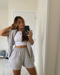Short Outfits, Summer Outfits, Girl Outfits, Fashion Outfits, Short Dresses, Cute Comfy Outfits, Stylish Outfits, Estilo Jenner, Loungewear Outfits