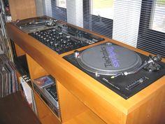 www.storio.co.jp diy workblog archives siga.konisi1.html Lp Player, Turntable Setup, Hifi Stand, Dj Dj Dj, Dj Decks, Audio Rack, Mtv Cribs, Dj Setup, Dj Gear