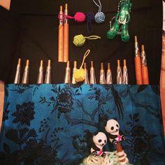 HiyaHiya Panda Li Point Protectors, Small Yarn Ball Stitch Markers and Puppy Snips We love this picture which from @txelva ! Muero de amor con mi nueva adquisición 😍😍de #hiyahiya. Circulares de #bambu. Gracias agus @lesjardinsdejuliette ha sido una tarde guay 👍 --- @txelva (Instagram Name) said.