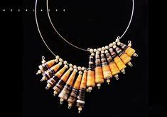 paper beads jewelry diy Make Paper Beads, Paper Bead Jewelry, Paper Earrings, How To Make Beads, Jewelry Crafts, Beaded Jewelry, Recycled Jewelry, Fabric Beads, Artisanal