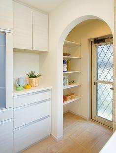パントリー。 大量の食材ストックが可能です。|キッチン|収納|パントリー|