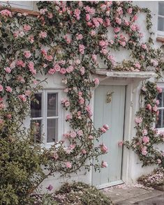 Garden Cottage, Rose Cottage, Cottage Style, Home And Garden, Cottage Lounge, Cottage Door, Cottage Windows, Beautiful Flowers, Beautiful Places