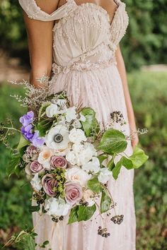 This Hawaii wedding inspiration is whimsical and dreamy. Take a look at this enchanted forest wedding theme shared by What a Day Photography Mod Wedding, Trendy Wedding, Dream Wedding, Garden Wedding, Fantasy Wedding, Chic Wedding, Elegant Wedding, Enchanted Forest Wedding, Woodland Wedding Dress