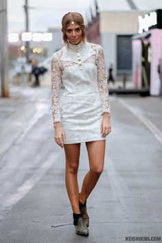 look of the day   WHITE LACE. ROCHELLE FOX