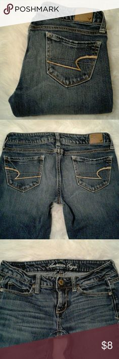 """AE Skinny sz 0 Stretch Jeans Excellent condition  98% cotton-2% spandex 5 back pockets-zip up fly-button closure Waist: 14.5"""" (relax laying flat) Inseam: 30"""" Front rise: 7"""" American Eagle Outfitters Jeans Skinny"""