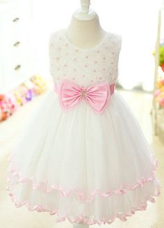 i want these flower girl dresses :) IN LOVE