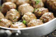 What are some easy recipes for sweet-and-sour meatballs? Supper Recipes, Entree Recipes, Gourmet Recipes, Vegetarian Recipes, Cooking Recipes, Healthy Recipes, Delicious Recipes, Canadian Cuisine, Canadian Food