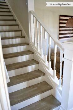 Inspiration pour rénover notre escalier : rampe et contre-marches en blanc et marches en gris/bois