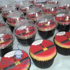 Cupcakes de Natal vestidos de Papai Noel! Consulte nossas opções de sabores e faça já sua encomenda. Corre que ainda dá tempo! Cupcakes em Curitiba. #Cupcake #CupcakesDecorados #CupcakesModelados #CupcakesPersonalizados #CupcakeDeNatal #CupcakeDePapaiNoel #Natal #PapaiNoel #Hohoho #MerryChristmas #FelizNatal #Curitiba #CWB #CWBFood #DoceDeMãe #ConfeitariaCriativa #ConfeitariaArtística #ConfeitariaArtesanal #CakeDesigner #CakeDesignerCuritiba