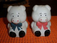 Vintage Glass Pig Salt and Pepper Shakers