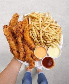 Chicken fingers and fries Cute Food, I Love Food, Good Food, Yummy Food, Sleepover Food, Fat Foods, Food Goals, Aesthetic Food, Food Cravings
