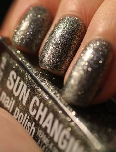 Glimmer and Glitter - A Nail Polish Blog: Sun Changing Polish from Claire's