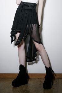 Vintage Gothic Rock mit Shorts