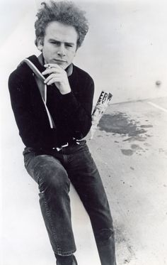 Art Garfunkel. Thoughtful and cute. I'd rather like this photo on my wall.