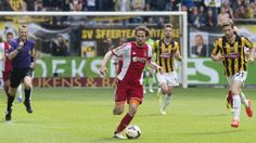 Daley Blind pakte een gele kaart en mist daarom het duel met ADO Den Haag volgende week.