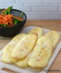 Garlic Cloud Breadsticks are a delicious low carbohydrate and grain-free breadstick option food list ohne kohlenhydrate carbohydrates carb kohlenhydrate kohlenhydrate rezepte Bariatric Recipes, Diabetic Recipes, Gluten Free Recipes, Low Carb Recipes, Cooking Recipes, Bariatric Eating, Atkins Recipes, Bariatric Surgery, Ketogenic Recipes