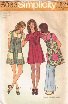 MOMSPatterns Vintage Sewing Patterns - Simplicity 5063 Vintage Sewing Pattern ADORABLE Mod Square Contrast Inset Yoked Button Front Smock Top, Pin Tucks Mini Twiggy Dress by catalina Robes Vintage, Vintage Dresses, Vintage Outfits, Vintage Fashion, Vintage 70s, Etsy Vintage, Moda Hippie, Patron Vintage, Vintage Dress Patterns