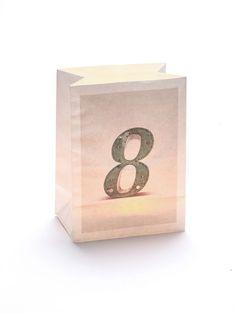 #Windlicht Tüte mit der #Zahl '8'! Eigent sich wunderbar als alternative #Hausnummer in der Dämmerung und bei Nacht oder am #Geburtstag, in Kombination mit einer anderen Zahlen-Tüte! #acht #eight