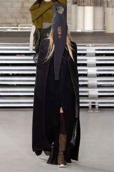 See the complete Rick Owens Fall 2017 Ready-to-Wear collection.