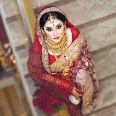 Mens Women Jewellery: Beautiful Bride Fashion Jewellery In Bangladesh. Indian Bridal Outfits, Indian Bridal Makeup, Indian Bridal Wear, Bridal Dresses, Bridal Lehenga, Saree Wedding, Wedding Poses, Bengali Bride, Bengali Saree