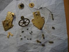 "Early Cluses movement from a Reutter. (Some parts still missing/broken due to unexperienced ""repairer"")"