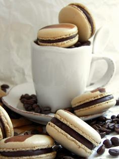 Csokoládé Reformer: Kávés kardamomos macaron Macarons, Cookies, Crack Crackers, Cookie Recipes, Biscotti, Macaroons, Fortune Cookie, Cakes