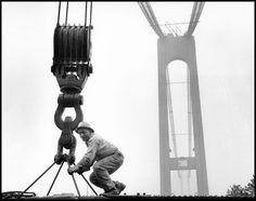 USA. NY. Brooklyn. 1963. Construction of the Verrazano Bridge. - Bruce Davidson