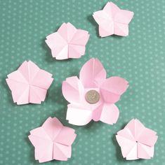飾りとして使ってもGOOD!コインが入る折り紙で作る春の桜のたとう包みの折り方(おりがみ)   ぬくもり