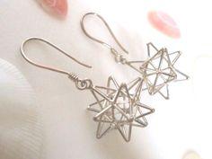 バリ雑貨の通販ネットショップです。バリ直接買付のバリ雑貨やアタバッグ、アクセサリーをリーズナブルな価格でご提供しています。 Wire Wrapped Jewelry, Beaded Jewelry, Bugle Beads, Diy Accessories, Beading Tutorials, Bead Earrings, Designer Earrings, Bead Crafts, Fashion Jewelry