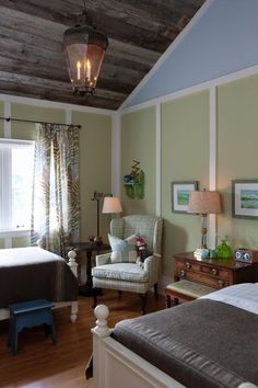 Sarah's House's Photos - Love the barnwood ceiling  trim on walls. Do not like paint colors.