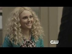 The Carrie Diaries: Dangerous Territory: Kind of Pretentious -- Carrie runs into a cute guy at her internship. -- http://wtch.it/Iw5fB