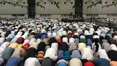 Kolumne: Grauzone. Laut einer neuen Studie wird der Anteil der Muslime in Europa stark zunehmen. Über die genaue Zahl werden die politischen Entscheidungen der nächsten Monate und Jahre entscheiden. Eine Verschlechterung der ökonomischen Rahmenbedingungen in Deutschland wäre fatal