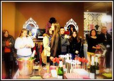 Nuestros Showroms Crown, Jewelry, Fashion, Moda, Corona, Jewlery, Jewerly, Fashion Styles, Schmuck