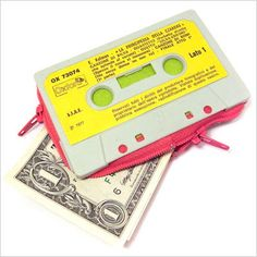 Recycling Cassette Tapes, 10 DIY Ideas from ScrapHacker.com