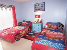 Disny World: Disney Cars Bedroom Wallpaper decoracies de quarto Boy Car Room, Boys Car Bedroom, Car Themed Bedrooms, Baby Bedroom, Bedroom Themes, Bedroom Decor, Bedroom Curtains, Bedroom Ideas, Toddler Car Bed