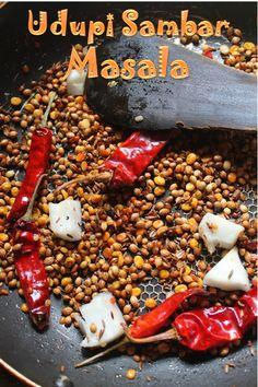 Udupi Sambar Recipe / Udupi Hotel Sambar Recipe - Yummy Tummy Andhra Recipes, Indian Food Recipes, Indian Snacks, Masala Powder Recipe, Masala Recipe, Sambhar Recipe, Royal Recipe, No Bake Granola Bars, Homemade Spices