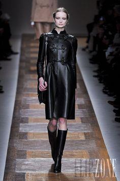 Valentino - Ready-to-Wear - Fall-winter 2012-2013 - http://en.flip-zone.com/fashion/ready-to-wear/fashion-houses-42/valentino-2782 - ©PixelFormula