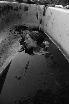 Clogged drain Rpg Horror, Horror Art, Horror Movies, Creepy Art, Scary, Yandere, Scream, Horror Photography, Creepy Pictures