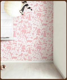 Klein Design Hoorn - Behang - Veel merken behang, Pip, Eijffinger, Studio Ditte, Onzelf, Inke - Behang met alphabet dieren roze afbeelding