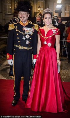 Princess Mary stuns at New Year's reception in Copenhagen   Daily Mail Online