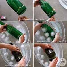 eau,glaçons,ficelle et bouteille de vin. faire chauffer la bouteille de vin puis mettre la ficelle et la tremper dans l'eau glacée                                                                                                                                                     Plus