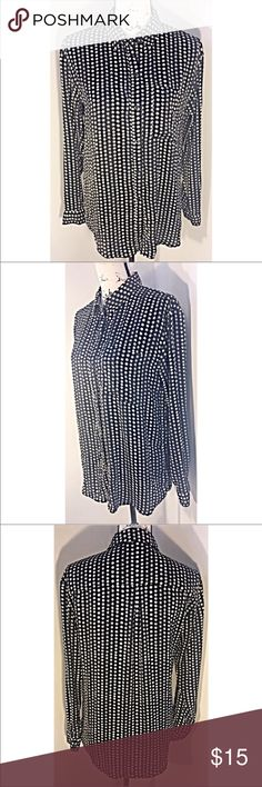 Forever 21 Shoot for the Stars Button Up Beautiful long sleeve button up blouse. Has a silky feel to it. Excellent Condition. Size S. Fits like a Medium 🤗  Make this ☝🏾️treasure yours today ☺️. Don't be scared  to make an offer, you never know unless you try. Bundle multiple items for the best savings. Pay one low price for shipping 🎁! Thanks for stepping into my closet  😘 Forever 21 Tops Button Down Shirts