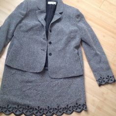 Tweed suit Black n white tweed Sufi with cute out flower trim so cute Le Suit Other