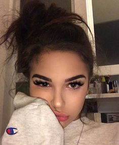 Maggie Lindemann Funny Image from evilmilk. Maggie Lindemann was added to the pictures archive on Beauty Makeup, Hair Makeup, Hair Beauty, Makeup Style, Pretty Makeup, Makeup Looks, Photographie Portrait Inspiration, Cute Selfie Ideas, Maggie Lindemann