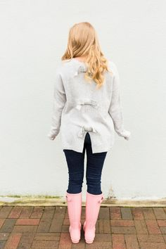 I've reached for my Hunter rain boots more than I expected to this year, but this pretty blush pair keeps me smiling even on a… Pink Hunter Rain Boots, Cute Rain Boots, Hunter Boots Outfit, Wellies Rain Boots, Timberland Style, Timberland Fashion, Cowgirl Boots, Western Boots, Riding Boots